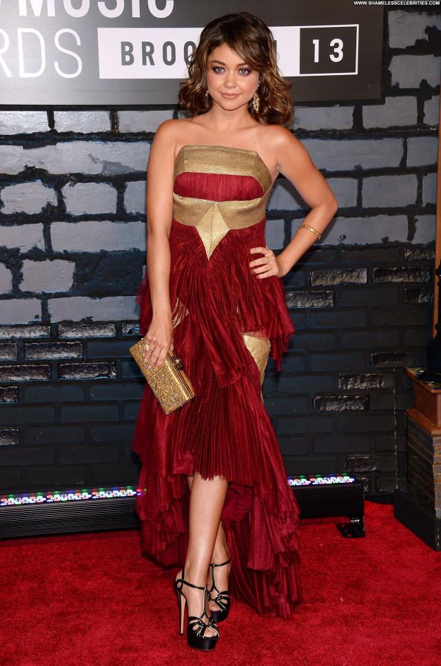Sarah Hyland Awards Beautiful Celebrity Babe High Resolution Posing