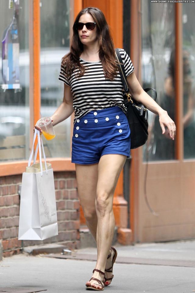 Liv Tyler Shopping Nyc Babe Celebrity Beautiful Posing Hot Shopping