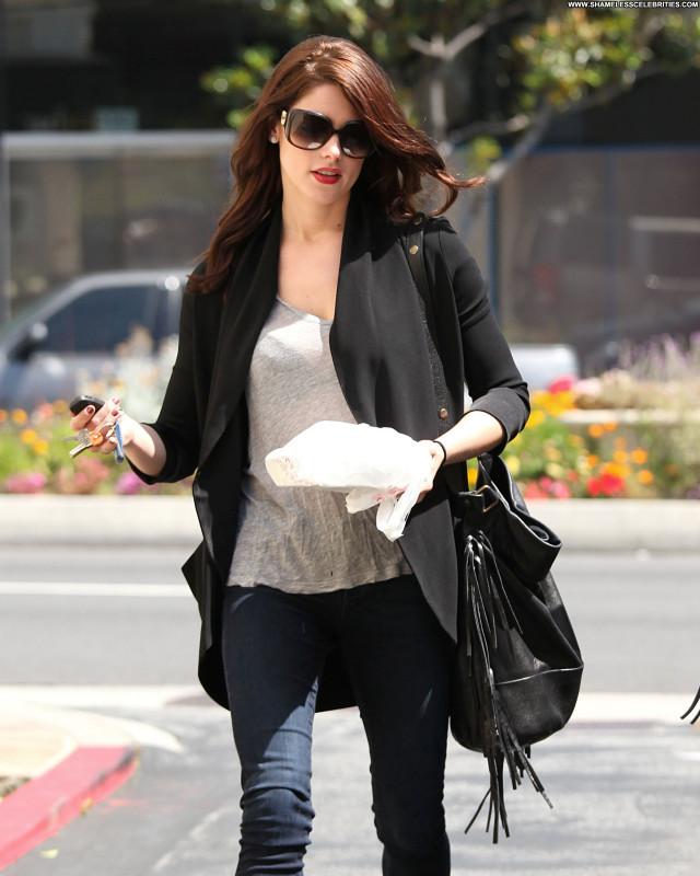 Ashley Greene No Source Posing Hot High Resolution Babe Beautiful