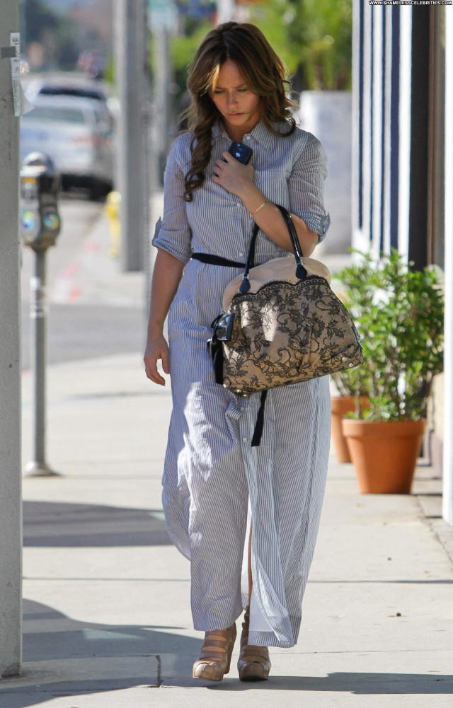 Jennifer Love Hewitt Beverly Hills Shopping High Resolution Babe