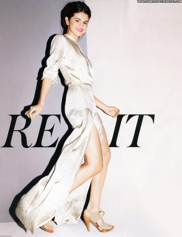Selena Gomez Magazine Posing Hot Magazine Babe Beautiful Celebrity