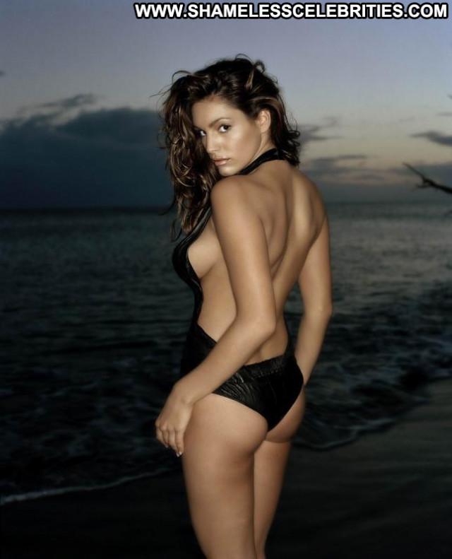 Kelly Brook No Source Posing Hot Uk Beautiful Babe Celebrity