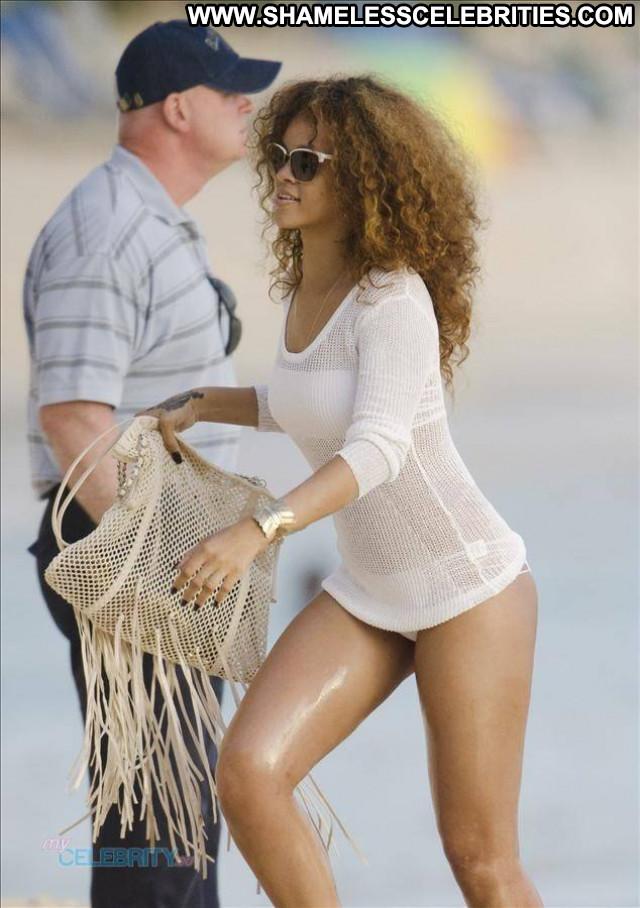 Rihanna No Source Bikini Celebrity Beautiful Posing Hot Hot Barbados