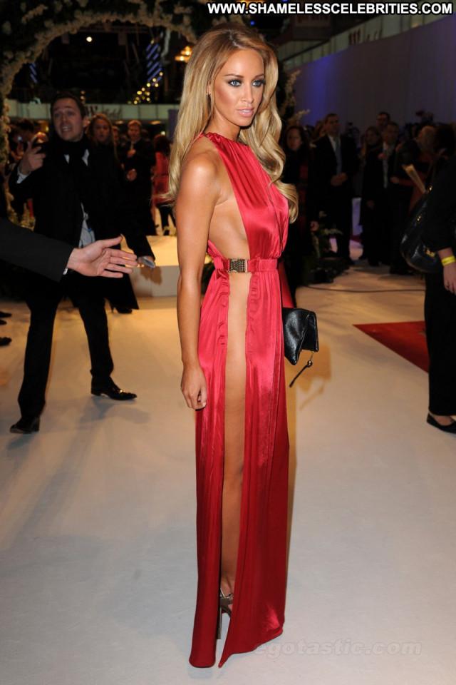 Lauren Pope Breaking Dawn Uk Babe Celebrity Beautiful London Posing