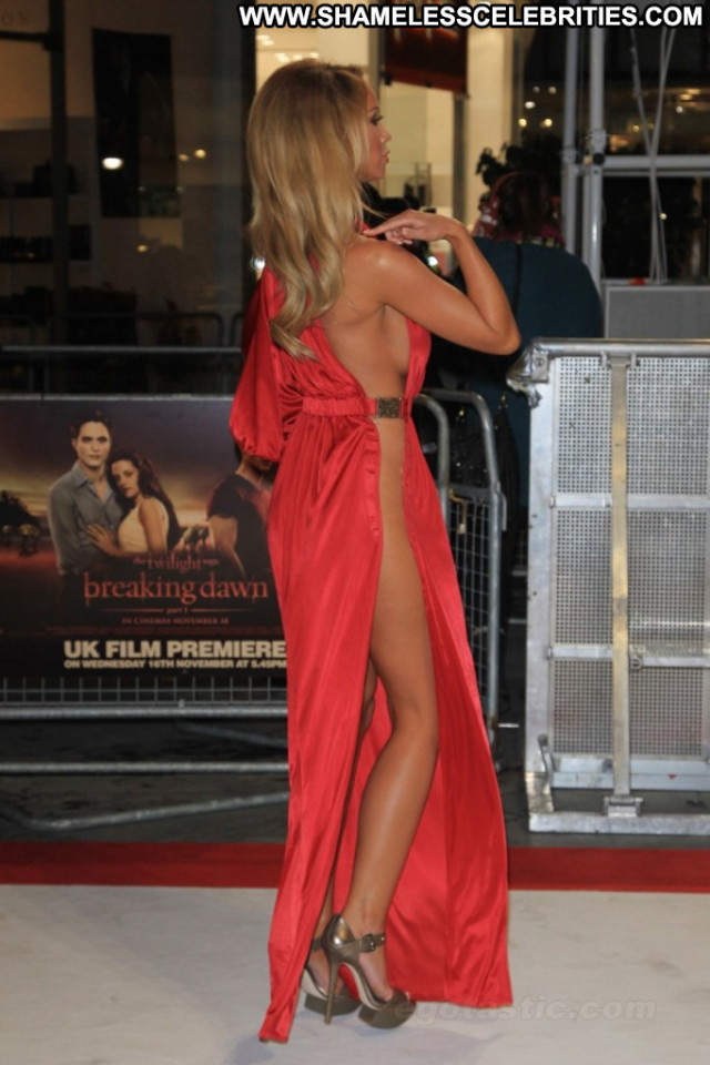 Lauren Pope Breaking Dawn Uk London Babe Beautiful Celebrity Posing