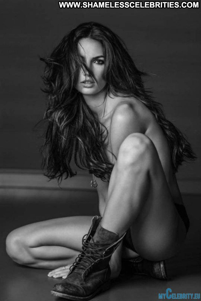 Kendall Russel James  Nude Photoshoot Celebrity Posing Hot Babe