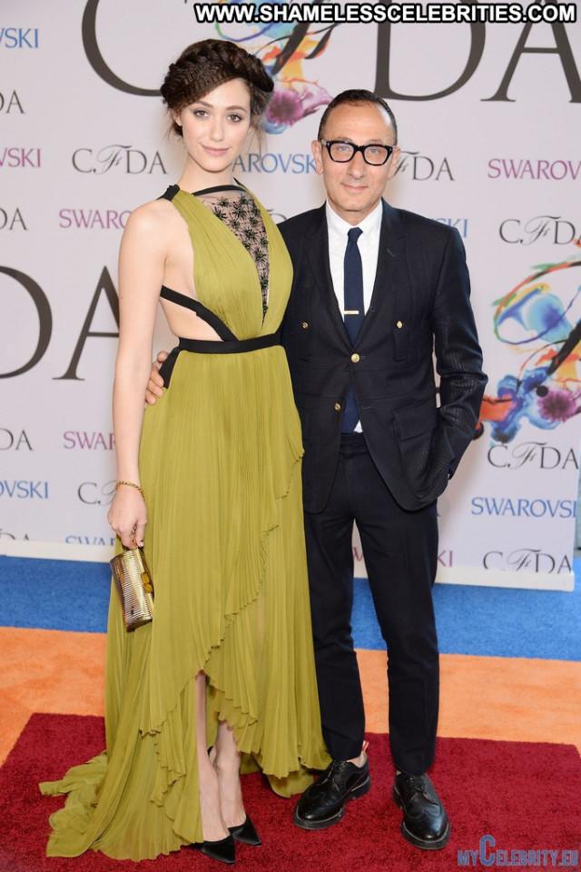 Emmy Rossum Red Carpet Babe Usa Fashion Nyc Posing Hot Awards