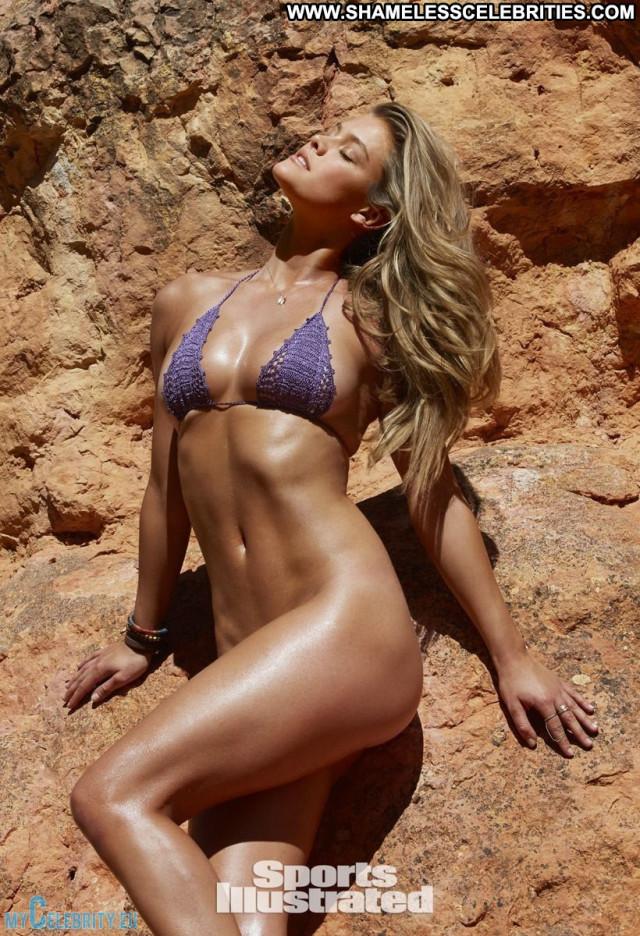 Emily Ratajkowski Sports Illustrated Swimsuit Sports Posing Hot