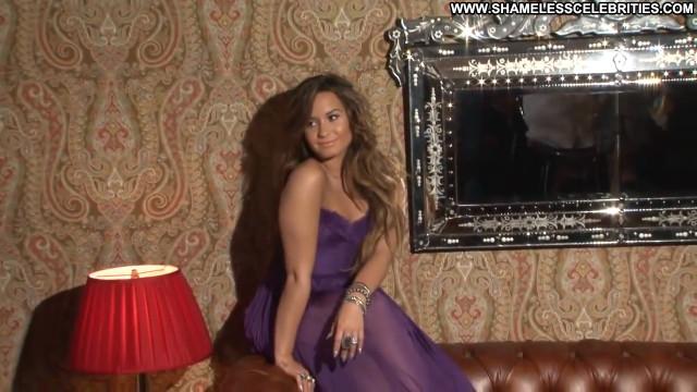 Demi Lovato Magazine Magazine Celebrity Latina Posing Hot Beautiful