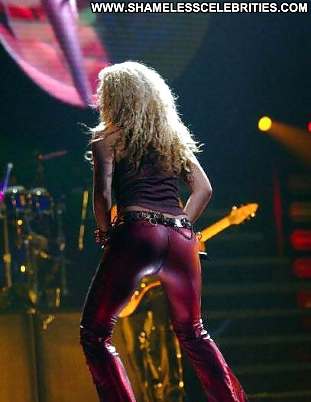 Shakira's ass pictures