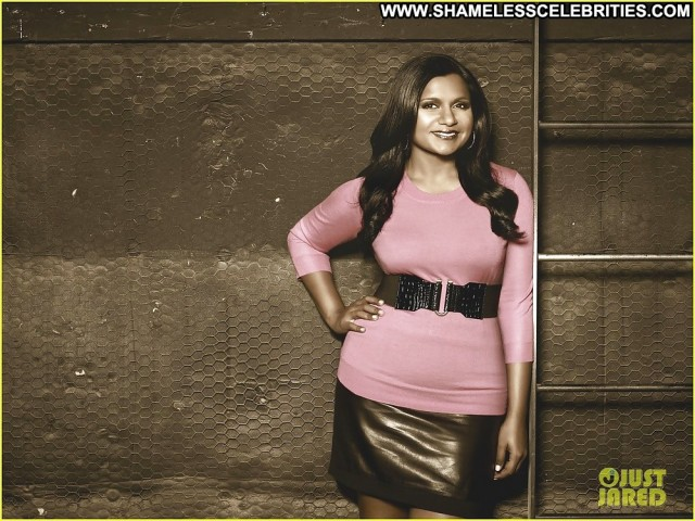 Mindy Kaling Pictures Asian Celebrity Actress Gorgeous Sexy Cute Babe