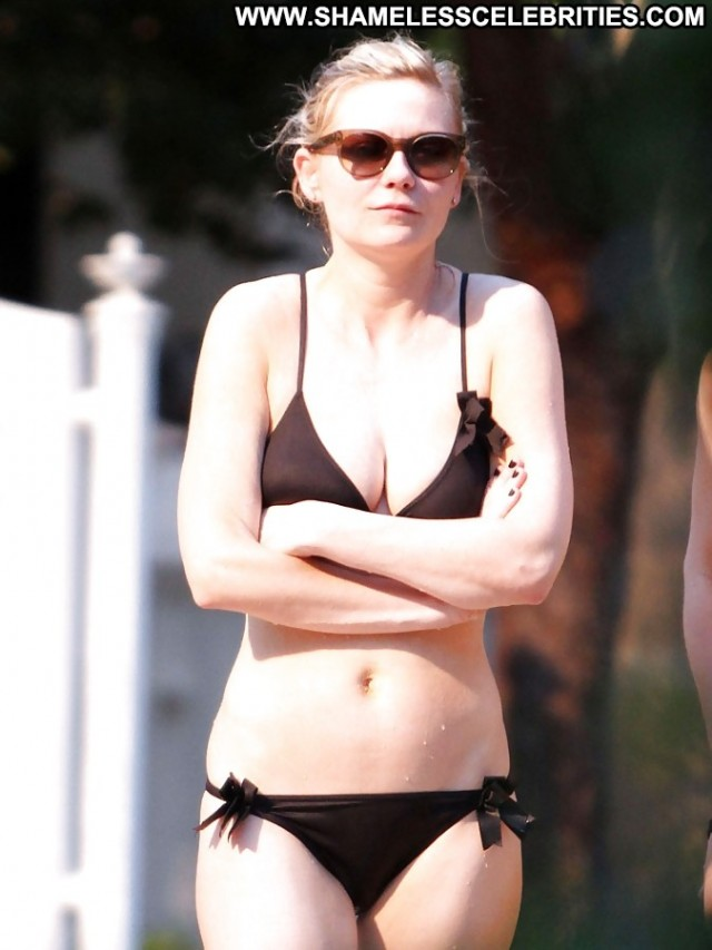 Kirsten Dunst Pictures Friends Celebrity Interview Actress Tits Ass