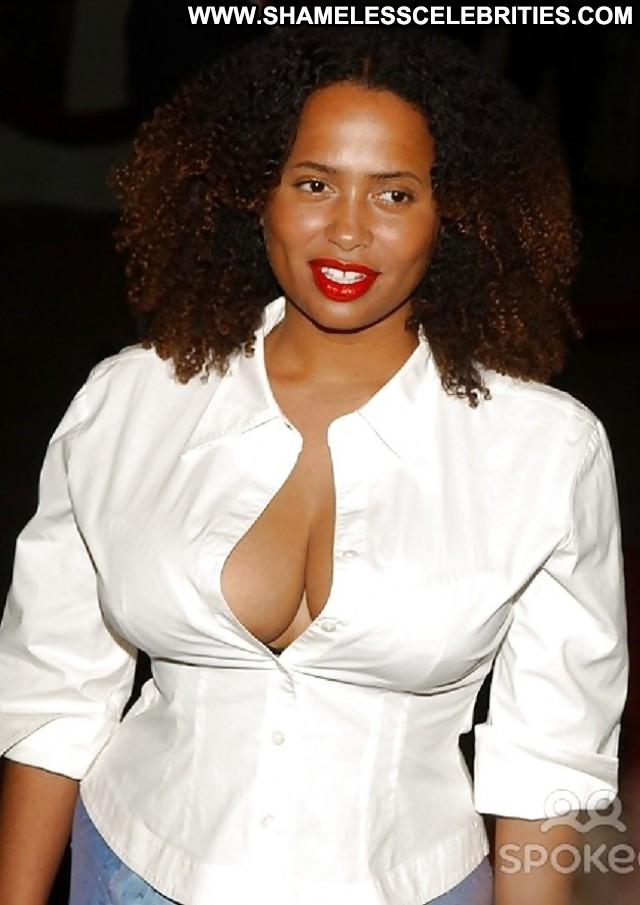lisa nicole carson pictures hot ebony celebrity actress sexy car